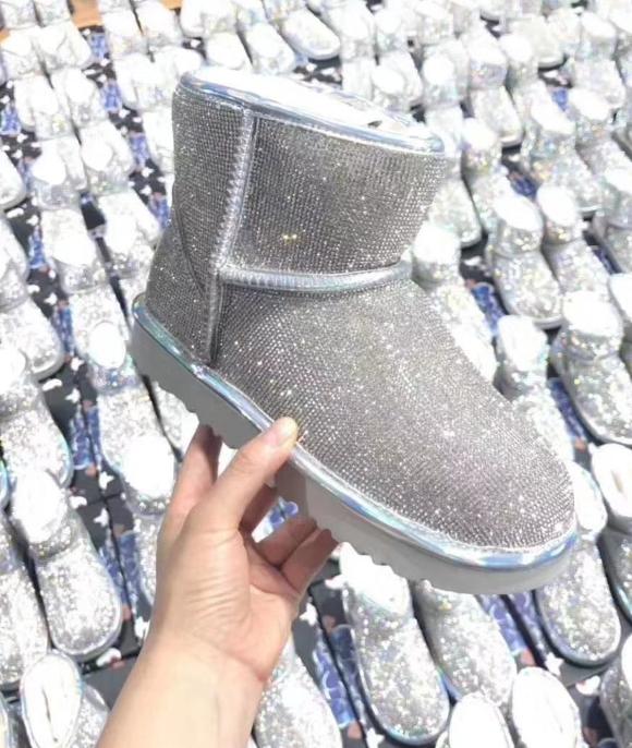 雪地靴代理twinsugg微信代理桑坡货源鞋代理一件代发